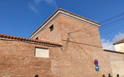 El Ayuntamiento rehabilita las tapias del Antiguo Cuartel de Caballería de la calle Siete Esquinas