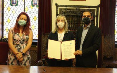 El Ayuntamiento y ASTEA firman un convenio de colaboración para el desarrollo de un proyecto de acompañamiento social