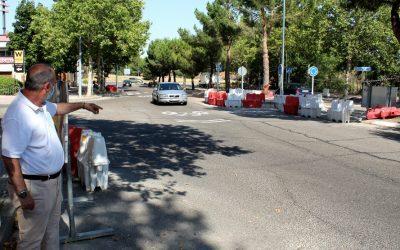 El concejal Manuel Lafront visita las obras de mejora del barrio Ciudad 10