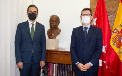 El alcalde Javier Rodríguez Palacios ha recibido al ministro de la Presidencia, Memoria Democrática y Relaciones con las Cortes, Félix Bolaños en su visita institucional a Alcalá de Henares